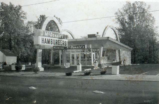 The Secor Road McDonald's, circa 1965, courtesy of the Toledo-Lucas County Public Library, obtained from http://images2.toledolibrary.org/.