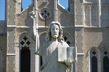 Soybean Jesus visits Fostoria